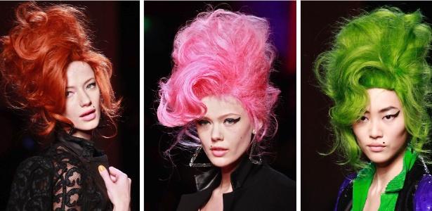 No desfile de Jean Paul Gaultier, modelos usaram perucas e delineadores que remetiam à imagem de Amy Winehouse; homenagem não foi bem recebida pela família da cantora - Ian Langsdon/EFE