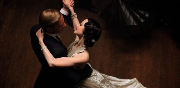 """James D'Arcy e Andrea Riseborough em """"W.E. - O Romance do Século"""", segundo filme dirigido por Madonna"""
