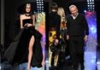Desfiles góticos, peles, preto e tons vibrantes para os mais ousados marcam moda de Paris - Getty Images