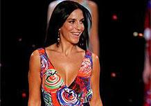 Ivete Sangalo concorre a três Grammy; na foto, a cantora desfila no São Paulo Fashion Week