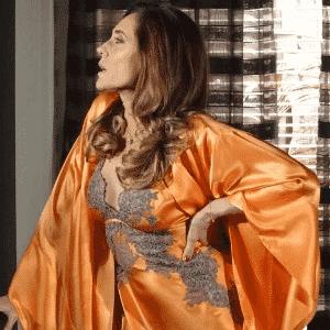 """Tereza Cristina usa camisola laranja da Jogê em cena de """"Fina Estampa"""" - Divulgação/TV Globo"""