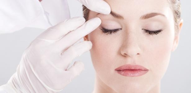 Em 2011, 43% dos procedimentos feitos no Brasil para amenizar rugas foram aplicação de toxina botulínica - Thinkstock