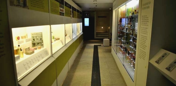 Espaço Perfume Arte + História, na zona oeste de SP, conta 5 mil anos da história da perfumaria - Claudia Silveira/UOL