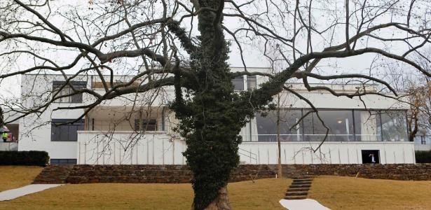 Vista da Villa Tugendhat (1928-30), projetada pelo arquiteto Ludvig Mies van der Rohe, em Brno, na República Tcheca - Reuters/Petr Josek
