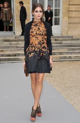 Olivia Palermo veste Dior no desfile de Inverno 2012 da marca francesa (02/03/2012)