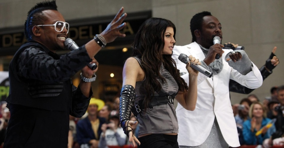 Apl.De.Ap, Fergie e will.i.am, do Black Eyed Peas, em apresentação no programa