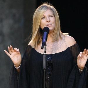 Barbra Streisand durante show em Berlim, Alemanha (22/4/2008)