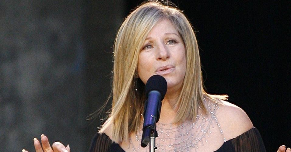 Barbra Streisand durante show em Berlim, Alemanha (22/04/2008)