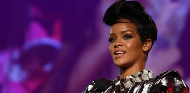 """A cantora Rihanna durante o DKMS"""" 3rd Annual Star-Studded Gala, em Nova York (07/05/2009) - AFP"""