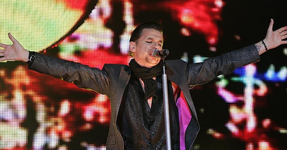O vocalista do Depeche Mode, David Gahan, durante show da banda no Simon Bolivar Park, em Bogotá (10/10/09)