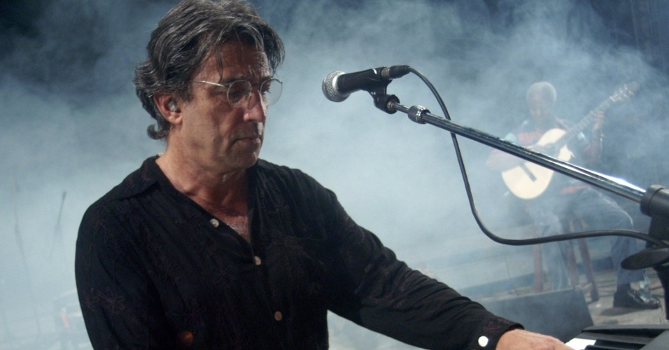 Ivan Lins durante show no festival Havana International Jazz Plaza, em Cuba (01/12/2005)
