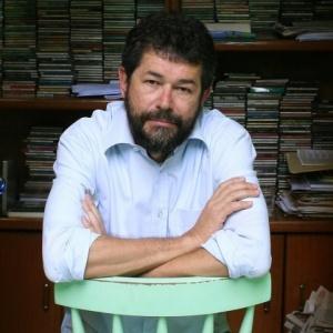 O jornalista, escritor e roteirista Marçal Aquino - Patricia Stavis/Folha Imagem