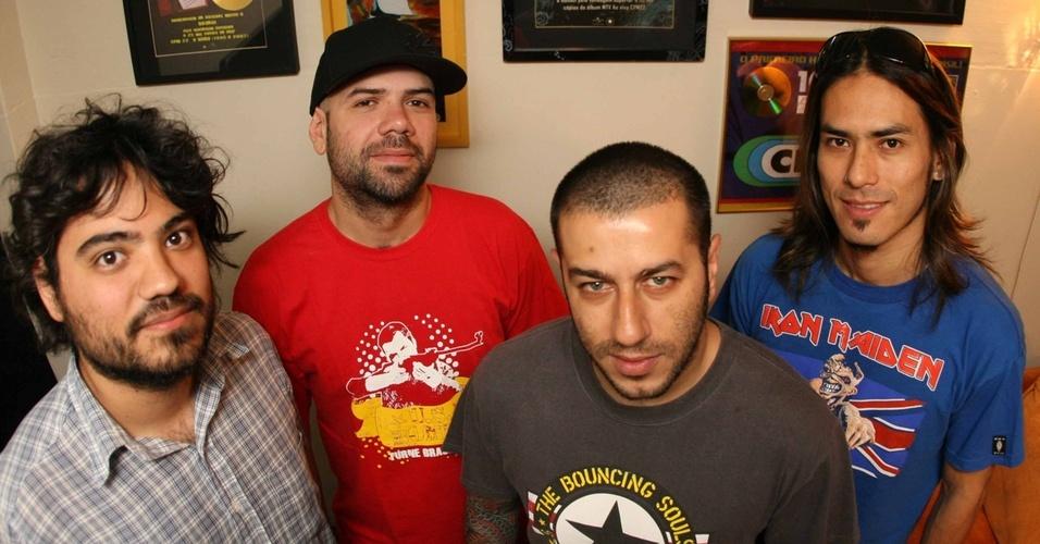 Os integrantes do CPM 22 Fernando Sanches, Luciano, Badauí e Japinha