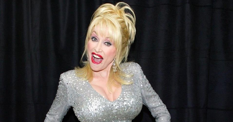 A cantora Dolly Parton em Nova York (06/05/2004)