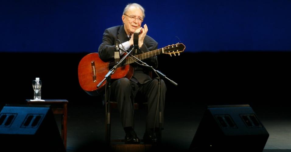 João Gilberto se apresenta no Teatro Municipal do Rio de Janeiro (24/08/2008)