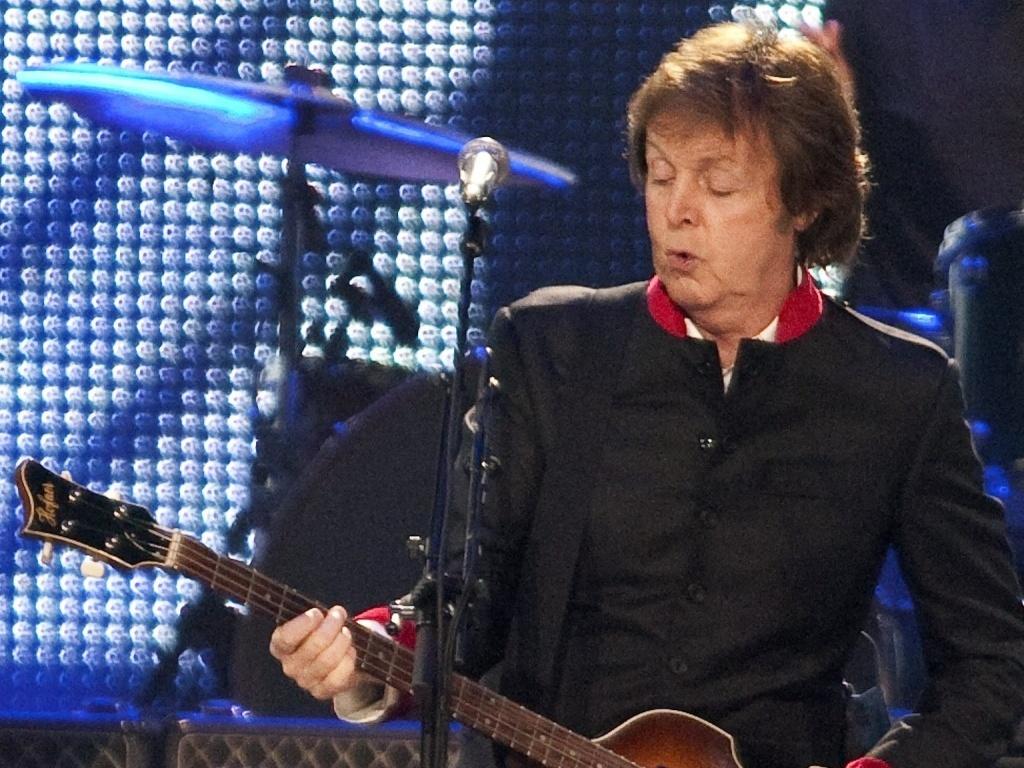O músico Paul McCartney durante apresentação em Porto Rico (05/04/2010)