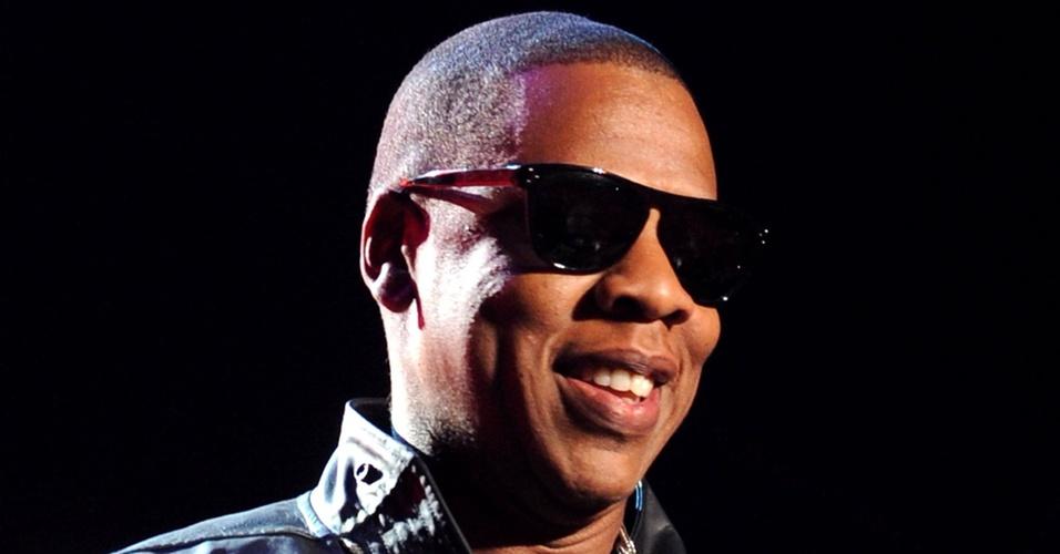 Jay-Z ay-Z é recebido como rei no Coachella Festival