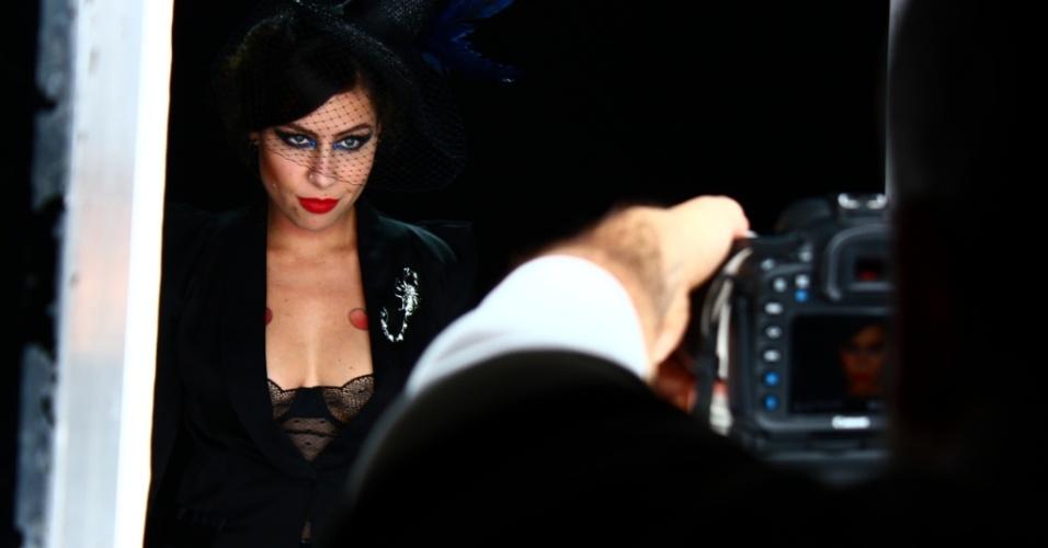 """Pitty durante gravação do clipe para a música """"Fracasso"""" (21/05/2010)"""
