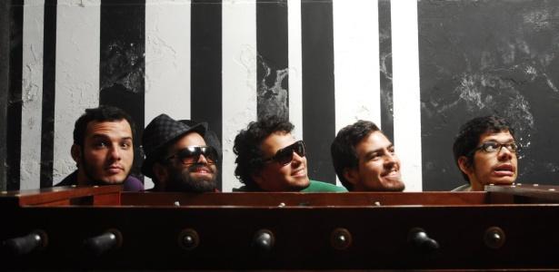 Os integrantes da banda pernambucana Mombojó (19/05/2010)