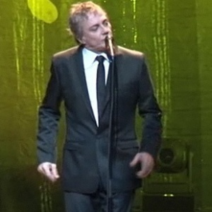 O cantor Fábio Jr. canta durante show em São Paulo (18/06/2010)