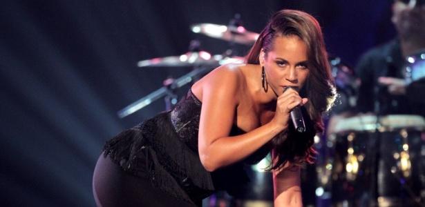A cantora Alicia Keys, que irá se apresentar na cerimônia do VMA, em show de 2010