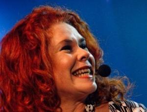 A vocalista do Palavra Cantada Sandra Peres em apresentação no HSBC Brasil, em São Paulo (22/08/2010)