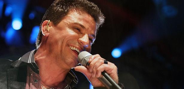 Eduardo Costa grava segundo DVD da carreira, em São Paulo , em show para cerca de 4 mil