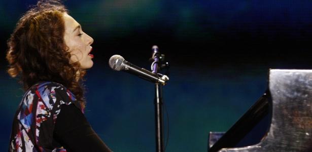 A cantora e pianista Regina Spektor faz show no segundo dia do festival SWU, em Itu (10/10/2010)