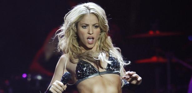 Shakira faz show no MTV Europe Music Awards 2010 (07/11/2010)