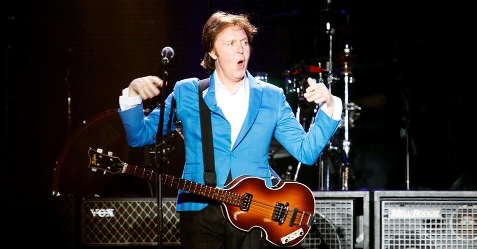 Paul McCartney faz o primeiro de dois shows no estádio do Morumbi, em São Paulo (21/11/2010)