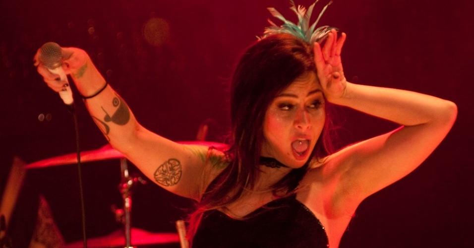 Pitty em show no Rio de Janeiro (18/12/2010)
