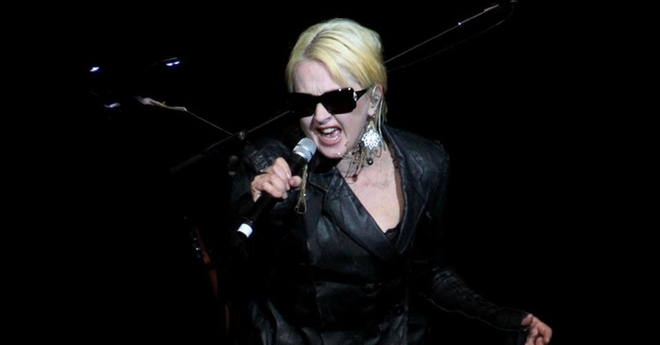 A cantora norte-americana Cyndi Lauper durante apresentação no Via Funchal, em São Paulo (22/02/2011)