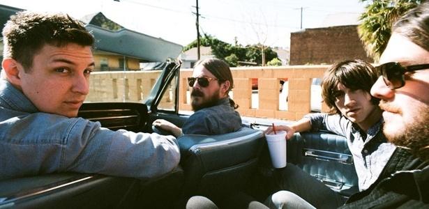 Os integrantes do Arctic Monkeys em foto de divulgação