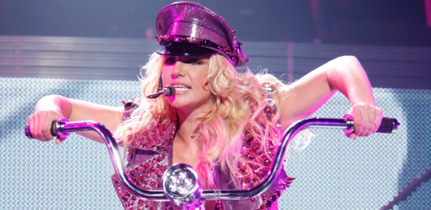 Britney Spears durante apresentação em Sacramento, nos EUA (17/6/11)