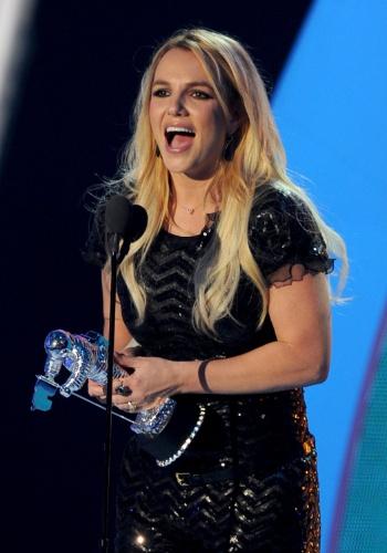 """Britney Spears recebe prêmio de melhor clipe pop por """"Till the World Ends"""" no VMA 2011 (28/08/2011)"""