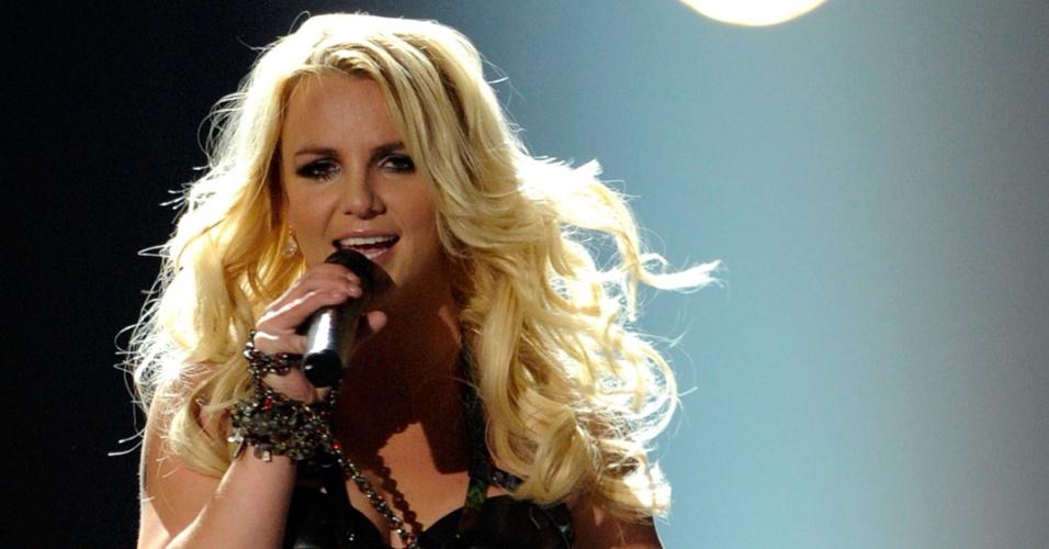 Britney Spears se apresenta no Billboard Music Awards, em Las Vegas (22/5/2011)