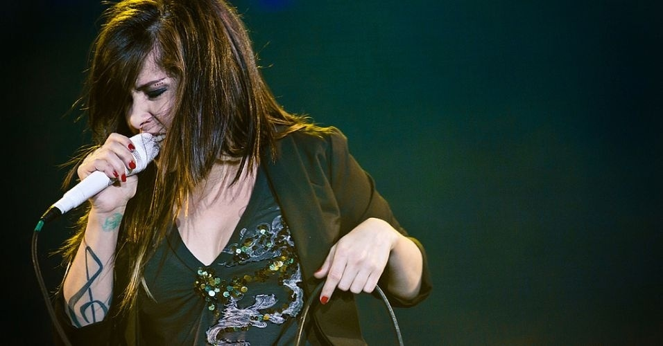 Pitty se apresenta no último dia de Rock In Rio, dedicado ao rock de FM (2/10/2011)