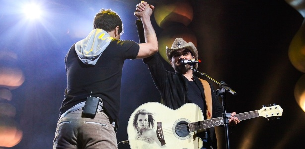 A dupla Zezé di Camargo e Luciano se apresenta em São Paulo no Credicard Hall (17/11/11)
