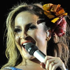 Claudia Leitte canta na primeira noite do Festival de Verão de Salvador